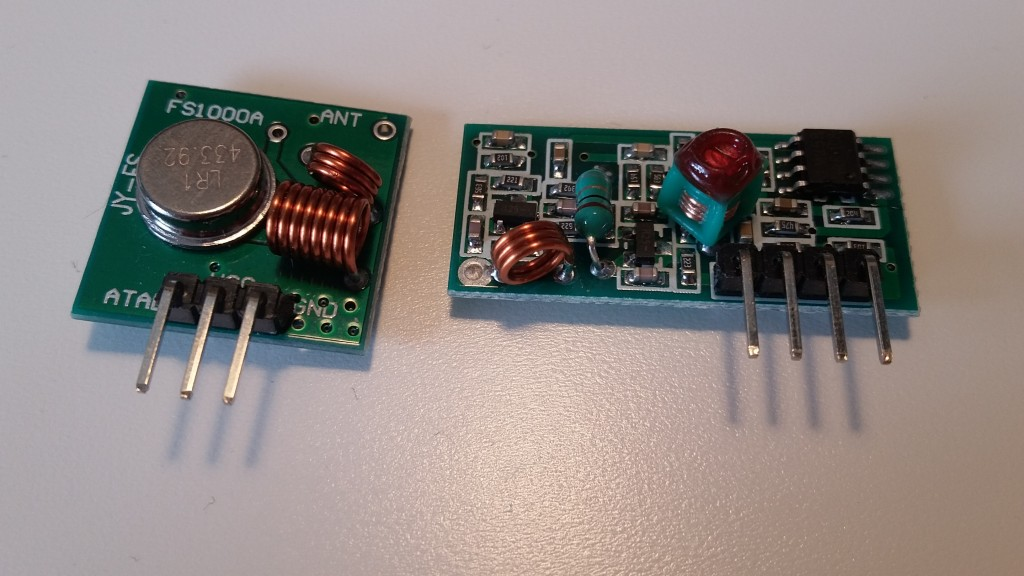 Cheap 433Mhz transmitter and receiver antennas.